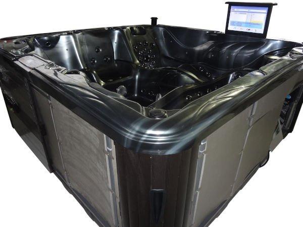 Jacuzzi-TubHub-Special-Foil-Aluminium-Insulation