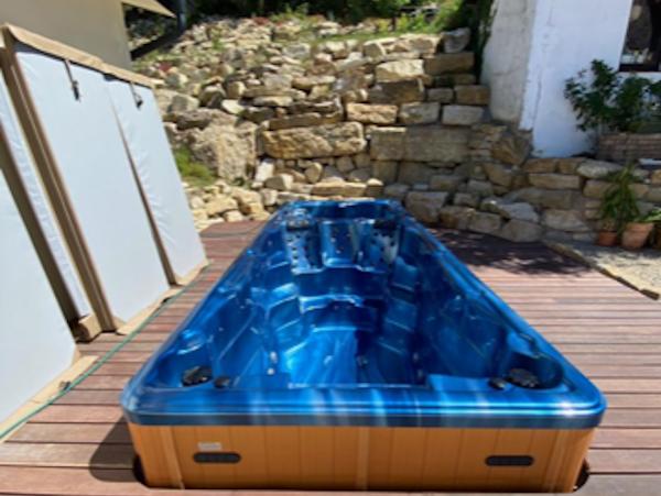 swimming pool oceanwave blue tubhub
