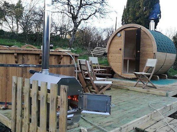 Wood-Burning-Hot-Tub-With-External-Burner-and-full-spa-systems-TubHub-Setup
